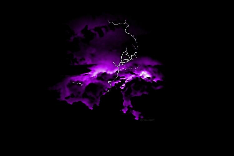Lightning Moves Me.